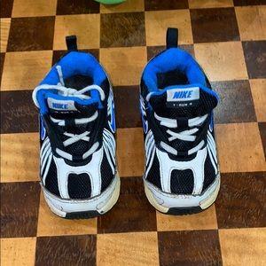Nike little dude running shoes